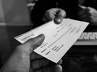 Платя вноска по застраховка